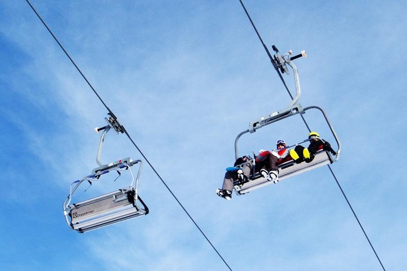 Ricoh GR IV photos ski